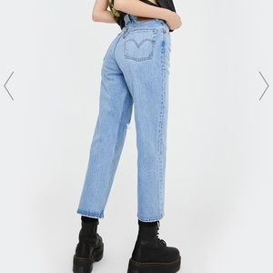 👖Levi's Ribcage Straight Jeans- size 26